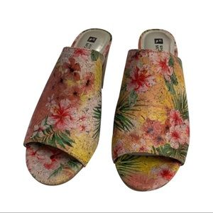 White Mountain Datenight Slide Mules Clogs Floral